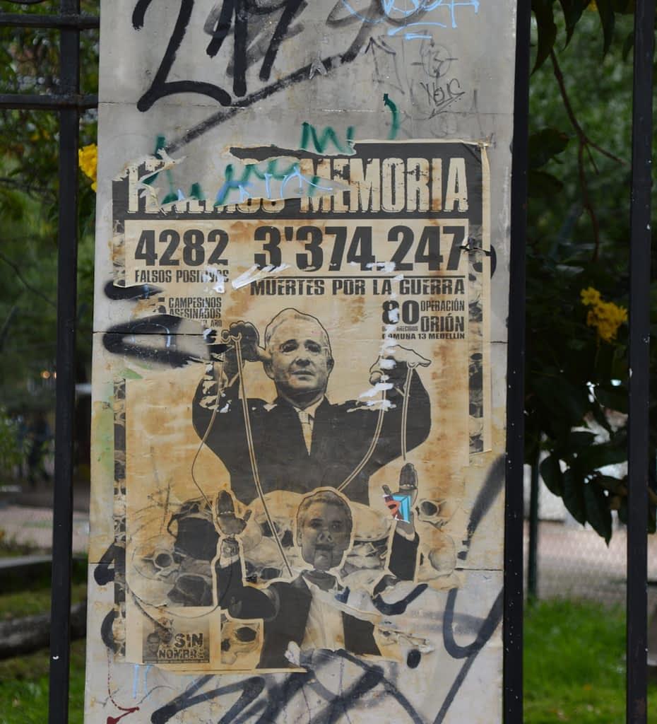 Paste-up - Graffiti Tour in Bogota